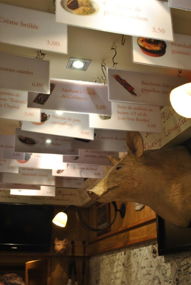 L'Avant Comptoir, le menu au plafond